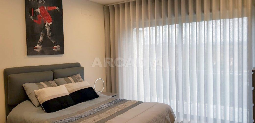 R-Moradia-V3-Merelim-Sao-Pedro-1andar-quarto-1-varanda