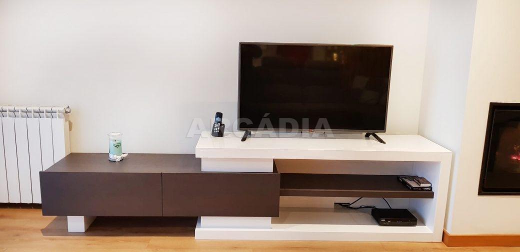 R-Moradia-V3-Merelim-Sao-Pedro-Rc-sala-tv-