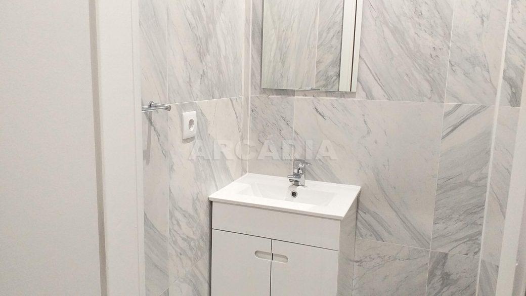 T2-Para-Arrendar-ao-Lado-da-Se-3-wc-servico-lavatorio