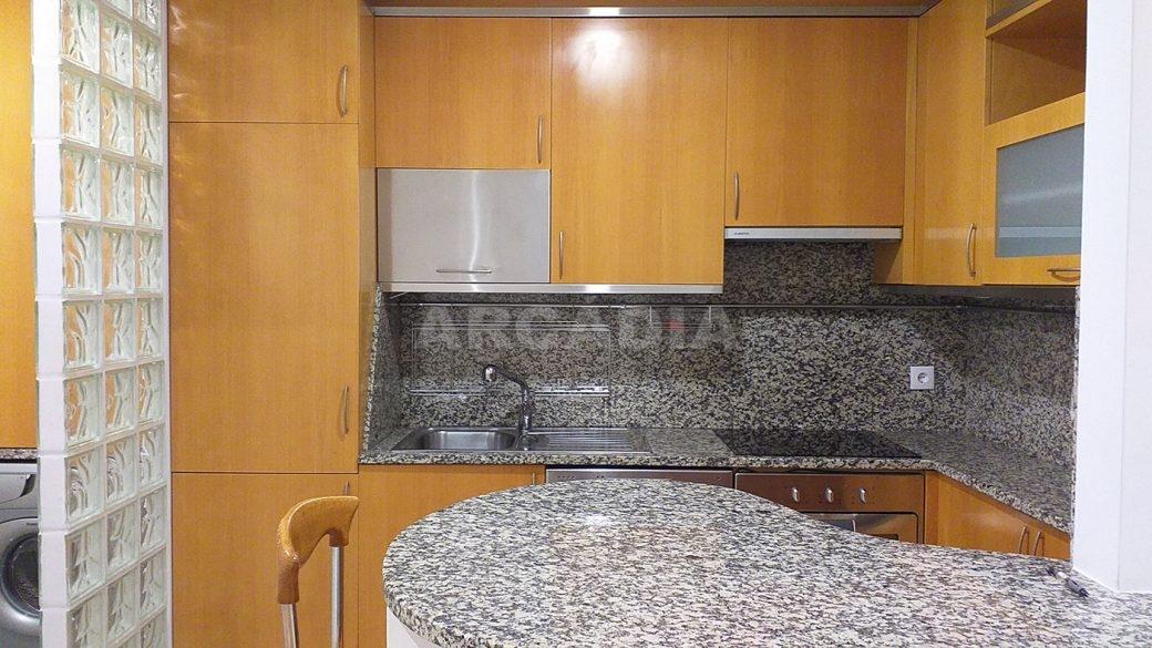 T2-Para-Arrendar-ao-Lado-da-Se-8-cozinha