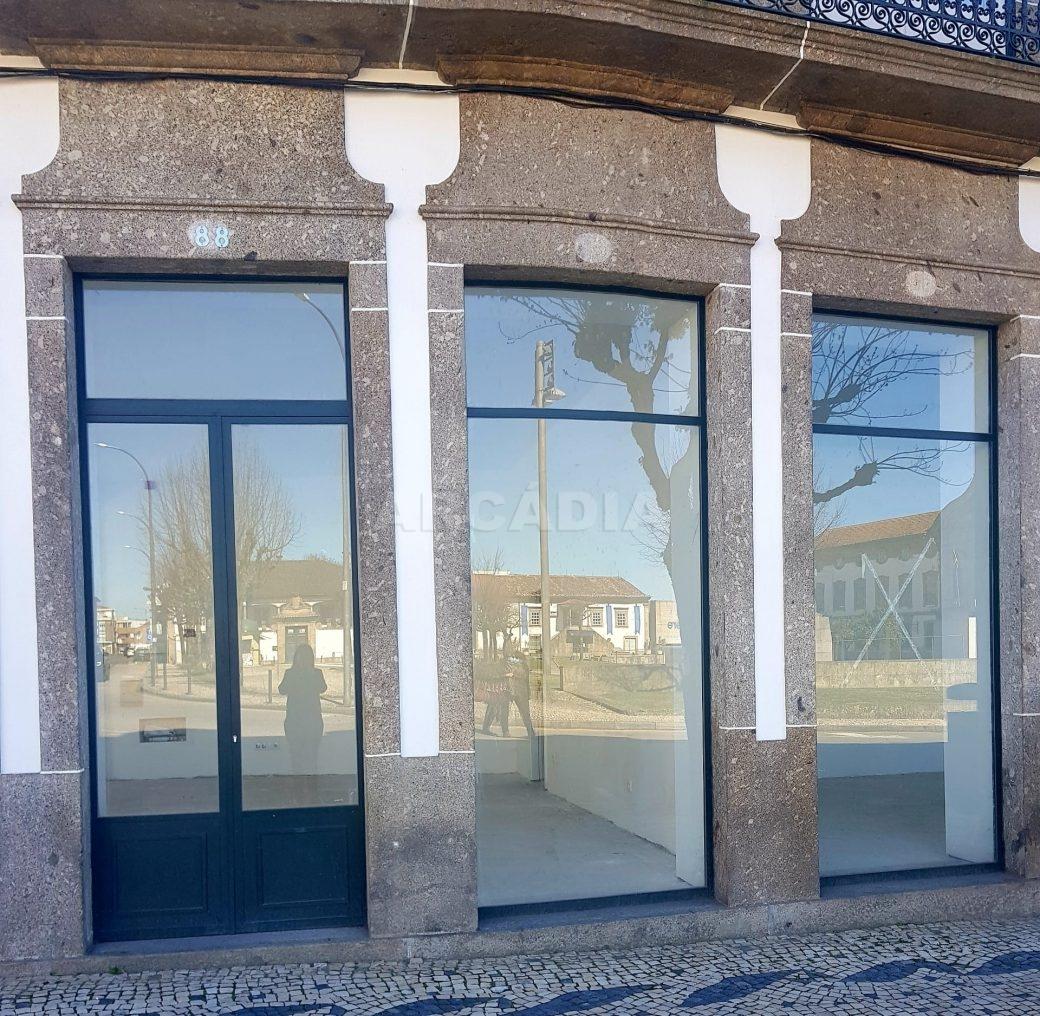 Arcadia-imobiliaria-braga-loja-de-rua-no-centro-da-cidade-para-arrendamento1
