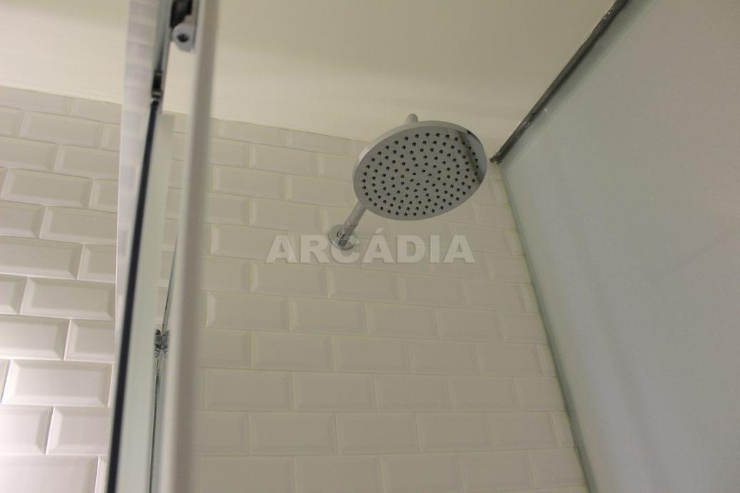 Predio-Moradia-restaurado-em-sao-vicente-braga-25-suite-wc-chuveiro