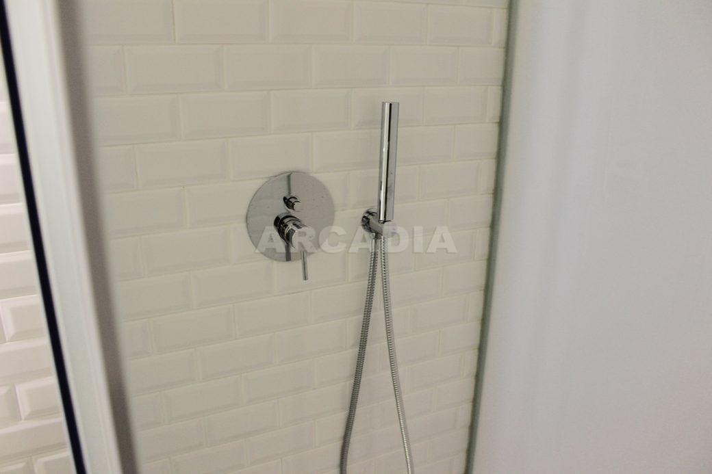 Predio-Moradia-restaurado-em-sao-vicente-braga-26-suite-wc-chuveiro