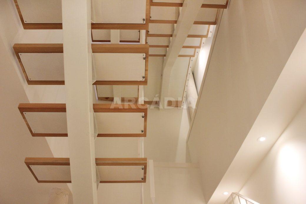Predio-Moradia-restaurado-em-sao-vicente-braga-4-escadas