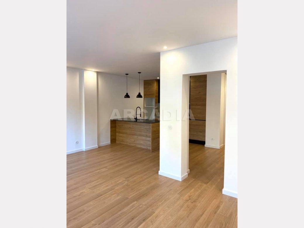 apartamento-t2-restaurado-no-centro-de-braga-cozinha-open-space