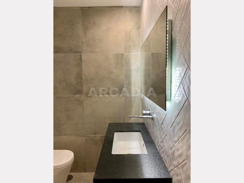 apartamento-t2-restaurado-no-centro-de-braga-wc-suite-lavatorio