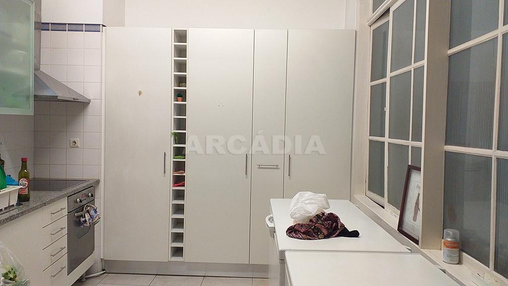 Arcadia-imobiliaria-pastelaria-centro-de-braga-mais-predio-24