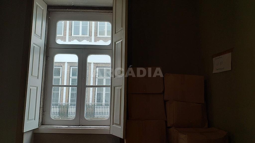 Arcadia-imobiliaria-pastelaria-centro-de-braga-mais-predio-30