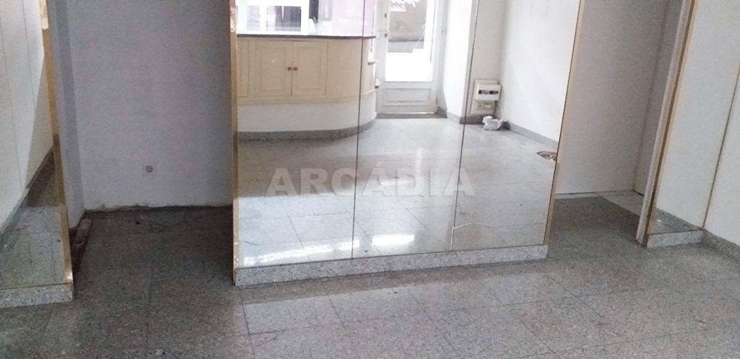 Arcadia-Imobiliaria-Loja-Arrendar-Centro-Comercial-Braga-3622-12-acesso-provador-ou-armazem