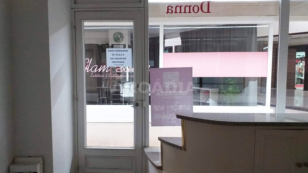 Arcadia-Imobiliaria-Loja-Arrendar-Centro-Comercial-Braga-3622-14-porta-entrada
