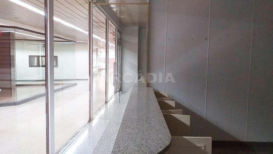 Arcadia-Imobiliaria-Loja-Arrendar-Centro-Comercial-Braga-3622-2-montra