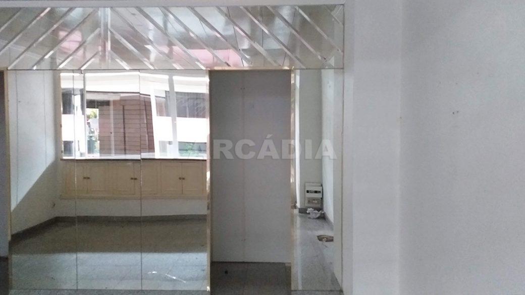 Arcadia-Imobiliaria-Loja-Arrendar-Centro-Comercial-Braga-3622-8-entrada-provador