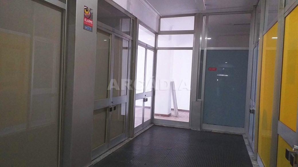 Venda-Arcadia-Imobiliaria-Loja-Centro-Comercial-Galecia-1