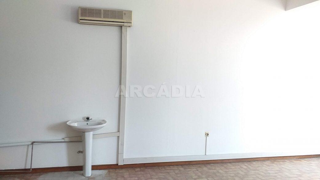 Venda-Arcadia-Imobiliaria-Loja-Centro-Comercial-Galecia-10