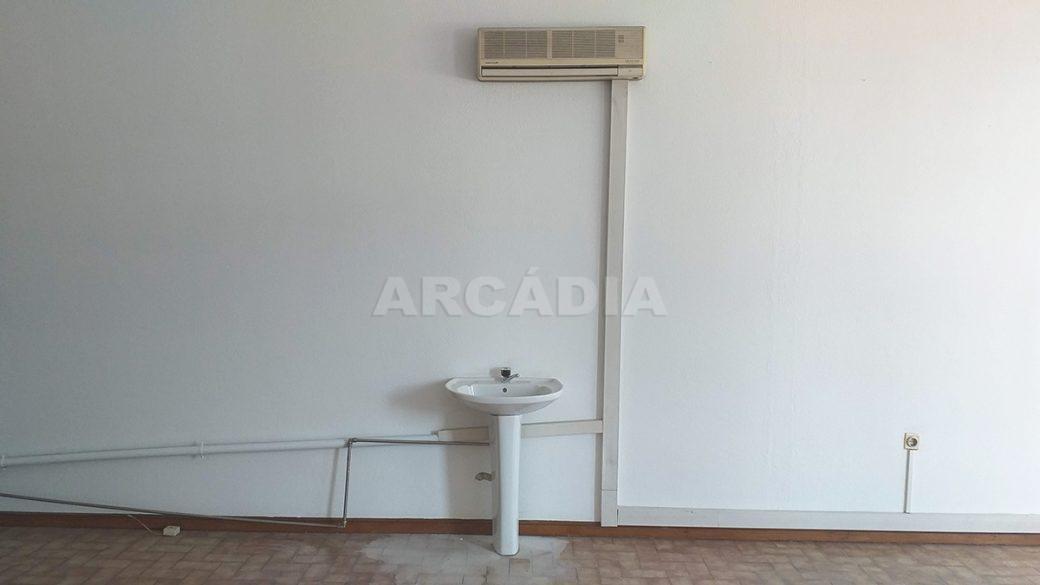 Venda-Arcadia-Imobiliaria-Loja-Centro-Comercial-Galecia-11