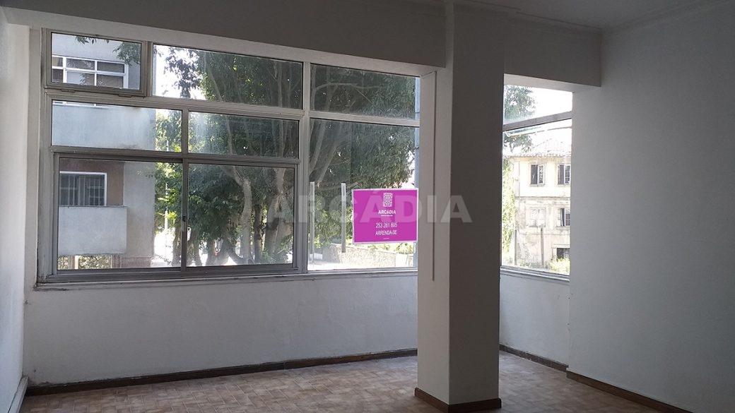Venda-Arcadia-Imobiliaria-Loja-Centro-Comercial-Galecia-4
