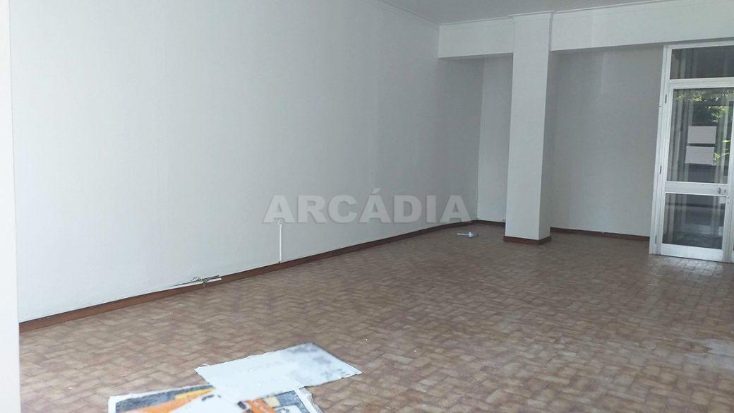 Venda-Arcadia-Imobiliaria-Loja-Centro-Comercial-Galecia-9