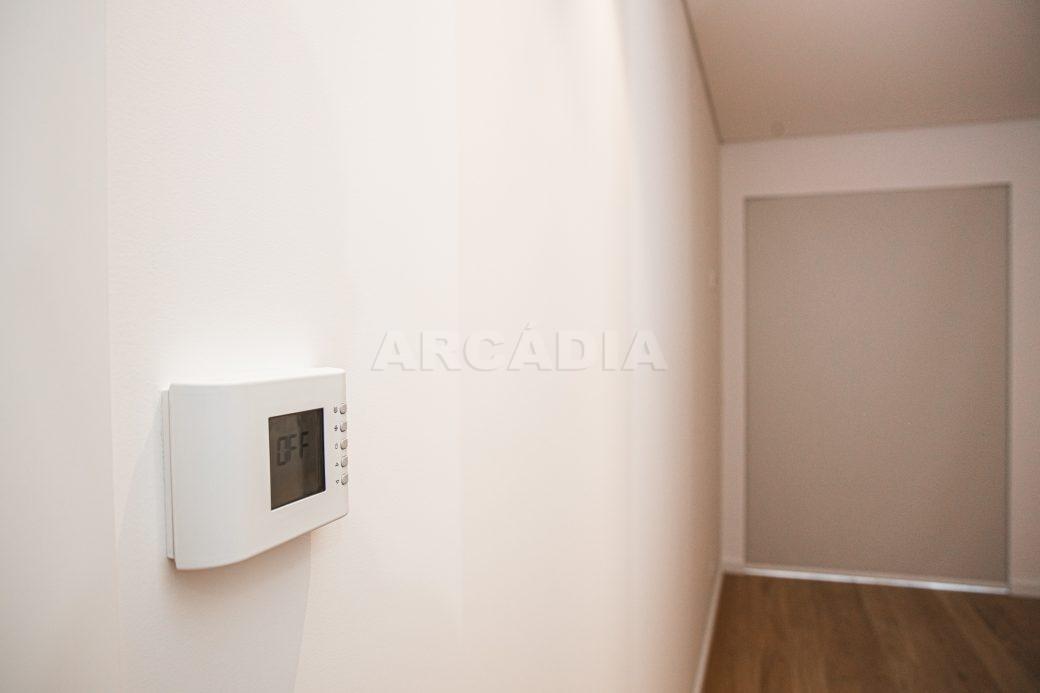 Arcadia-Imobiliaria-T0-Luxo-Av-Central-Braga-8-intercomunicador