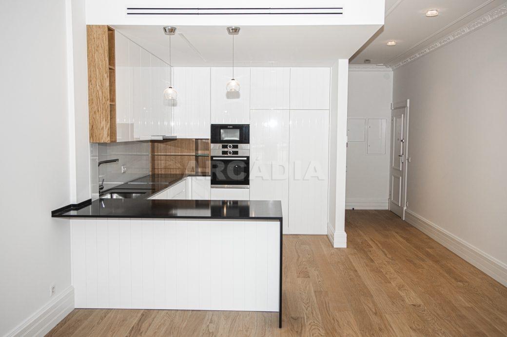 Arcadia-Imobiliaria-T2-Luxo-Av-Central-Braga-6-kitchenette