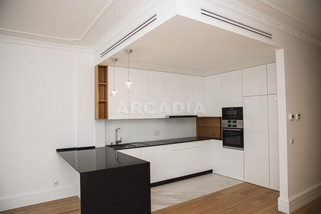 Arcadia-Imobiliaria-T2-Piso-2-Luxo-Av-Central-Braga-3-cozinha