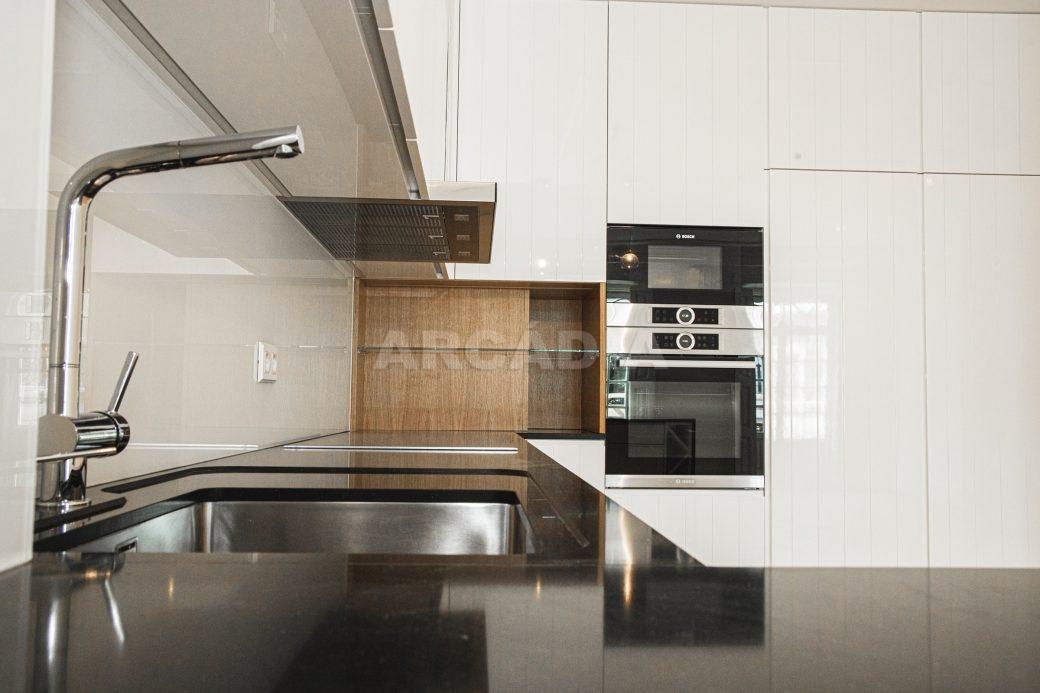 Arcadia-Imobiliaria-T2-Piso-2-Luxo-Av-Central-Braga-4-cozinha
