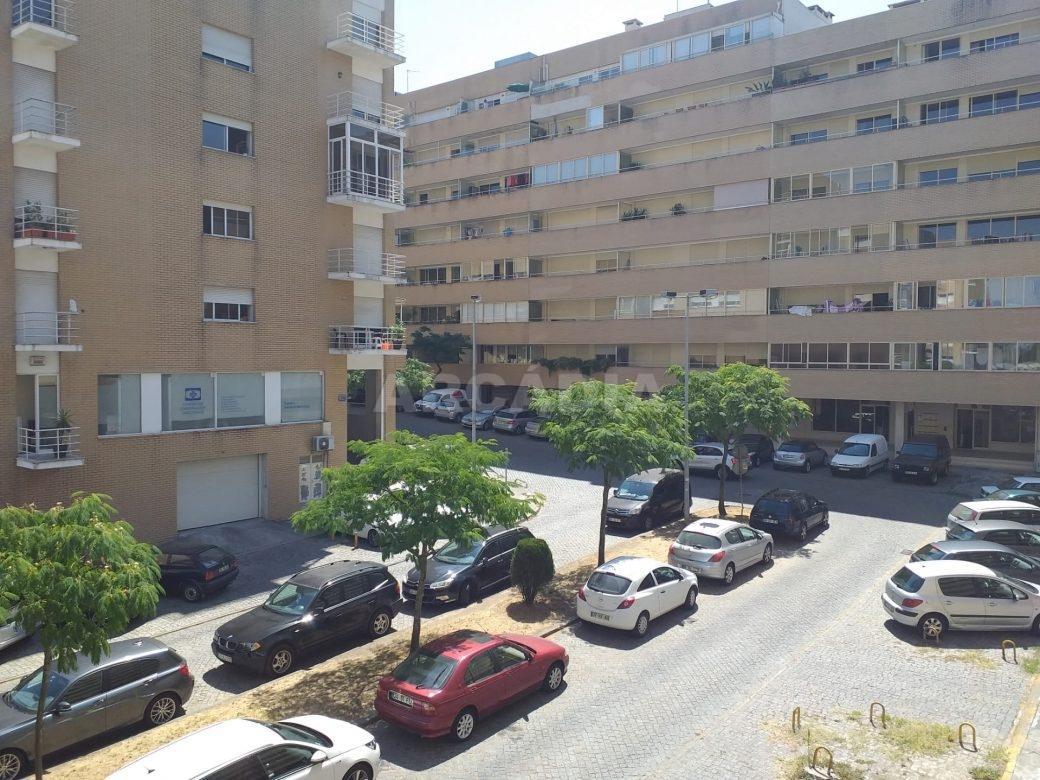 arcadia-imobiliaria-T3-com-boas-areas-perto-central-camionagem-2