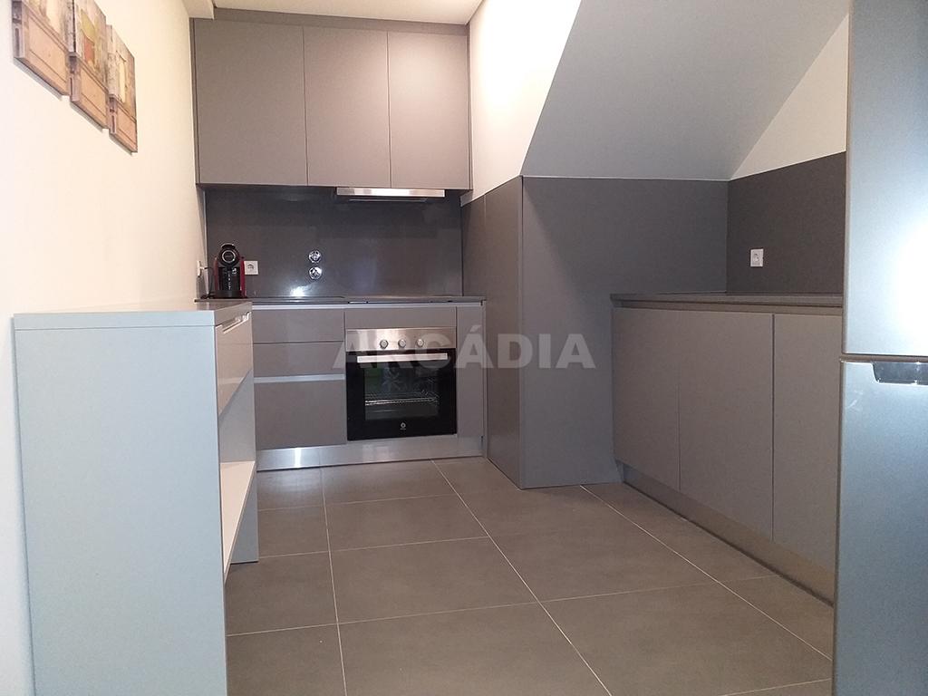 Arcadia-Imobiliaria-T1-Novo-Arrendar-Braga-Sao-Vicente-1-cozinha-completa