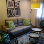 Arcadia-Imobiliaria-T1-Novo-Arrendar-Braga-Sao-Vicente-sala-mobilada-sofas