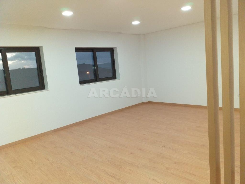 Andar-Moradia-Para-Venda-em-Real-Braga-Arcadia-Imobiliaria-9