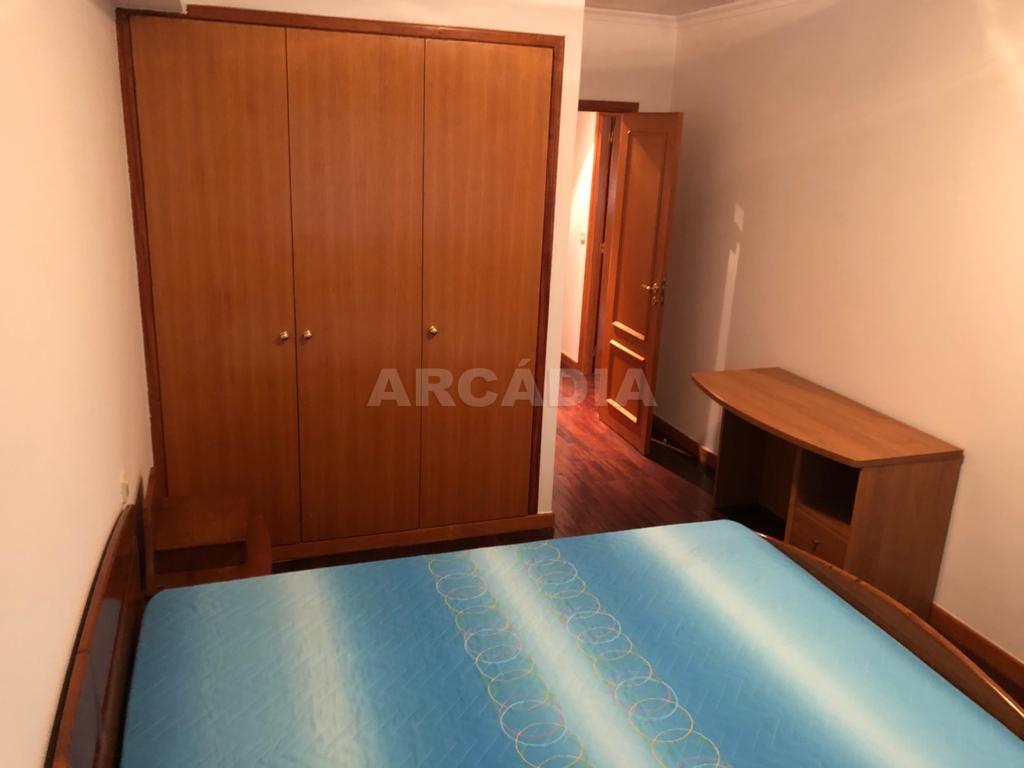 arcadia.imobiliaria.apartamento.t2.lamacaes.com.garagem.individual.11