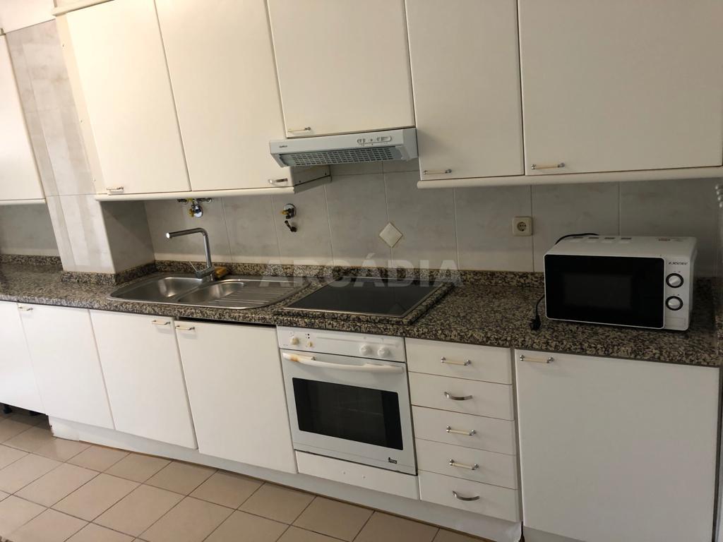 arcadia.imobiliaria.apartamento.t2.lamacaes.com.garagem.individual.4