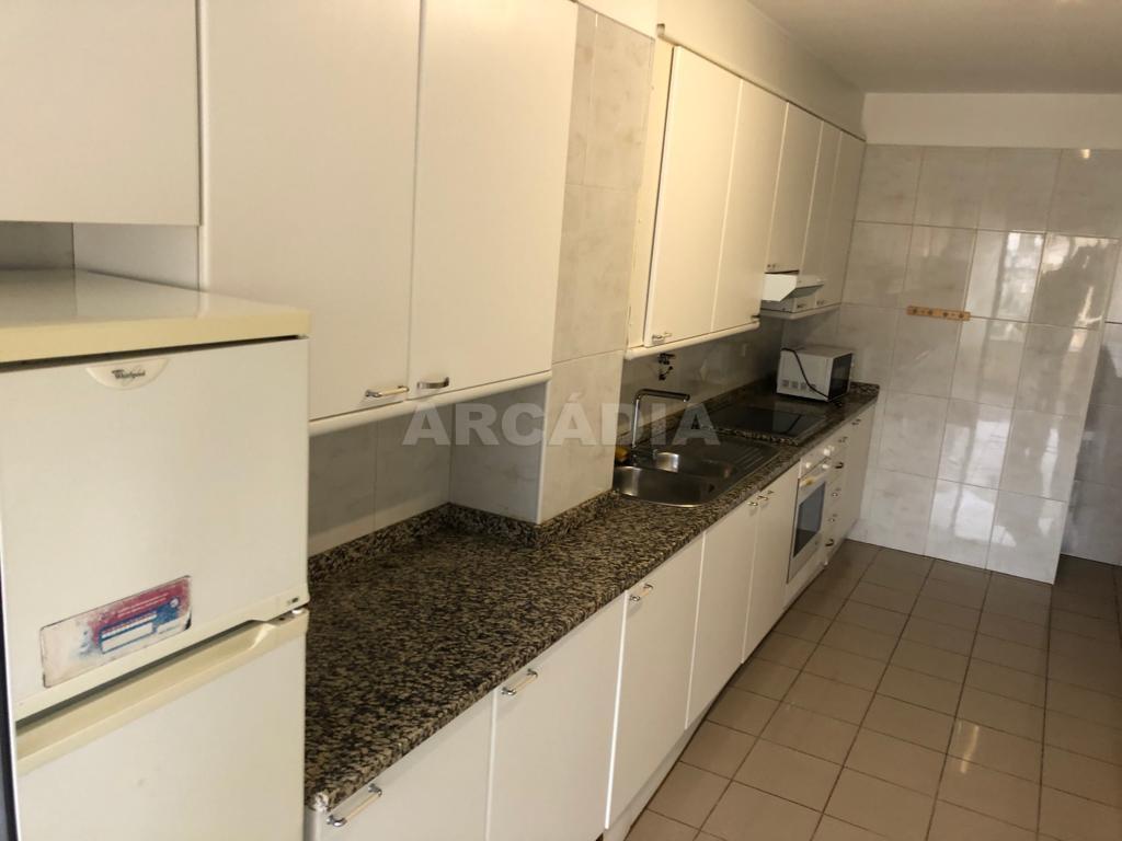 arcadia.imobiliaria.apartamento.t2.lamacaes.com.garagem.individual.5