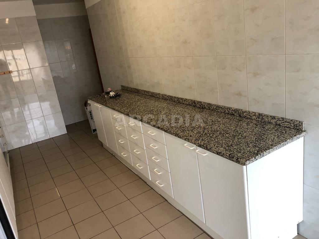 arcadia.imobiliaria.apartamento.t2.lamacaes.com.garagem.individual.6