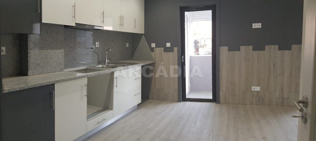 arcadia-imobiliaria-braga-apartamento-tipo-3-arrendamento-sao-lazaro-remodelado-excelente-preco-unica-oportunidade