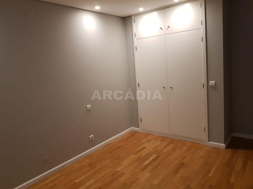 arcadia-imobiliaria-braga-sao-vitor-apartamento-moderno-central-com-garagem-18