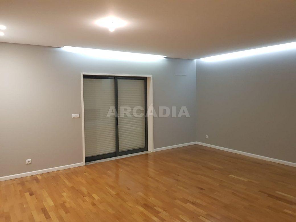 arcadia-imobiliaria-braga-sao-vitor-apartamento-moderno-central-com-garagem-33