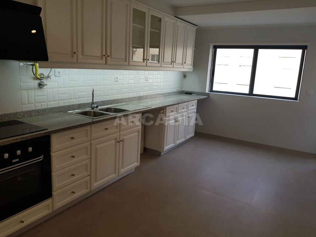arcadia-imobiliaria-braga-sao-vitor-apartamento-moderno-central-com-garagem-7