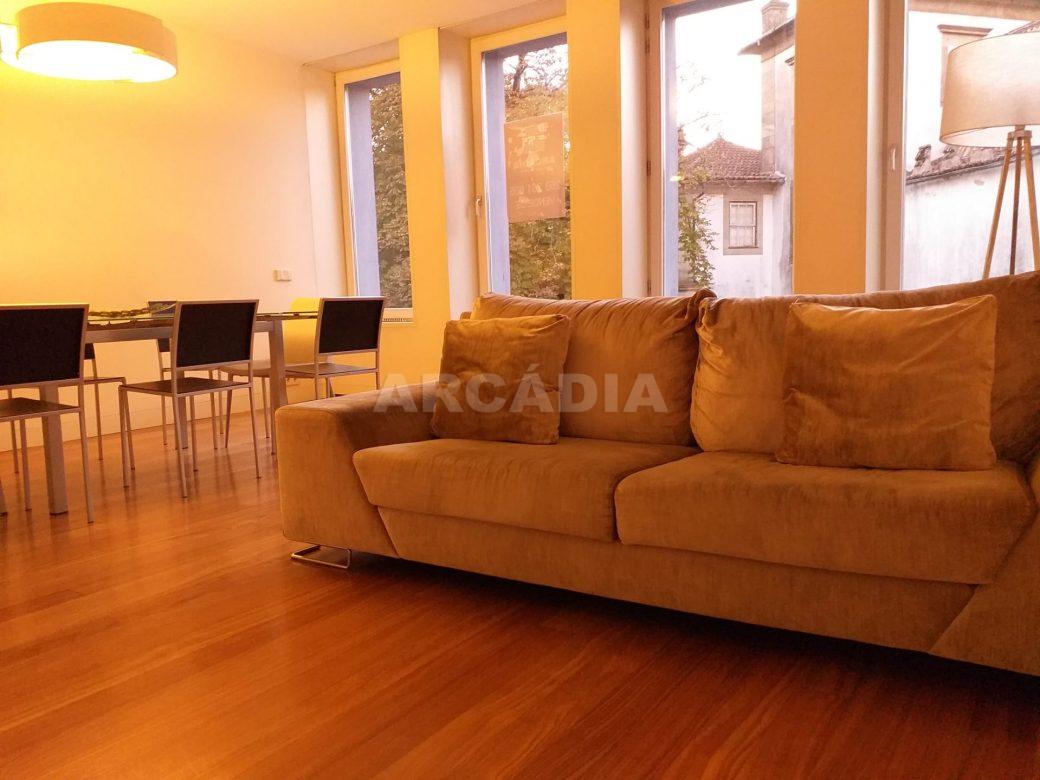 arcadia-imobiliaria-braga-apartamento-no-centro-historico-de-braga-tipo-2-para-compra-0