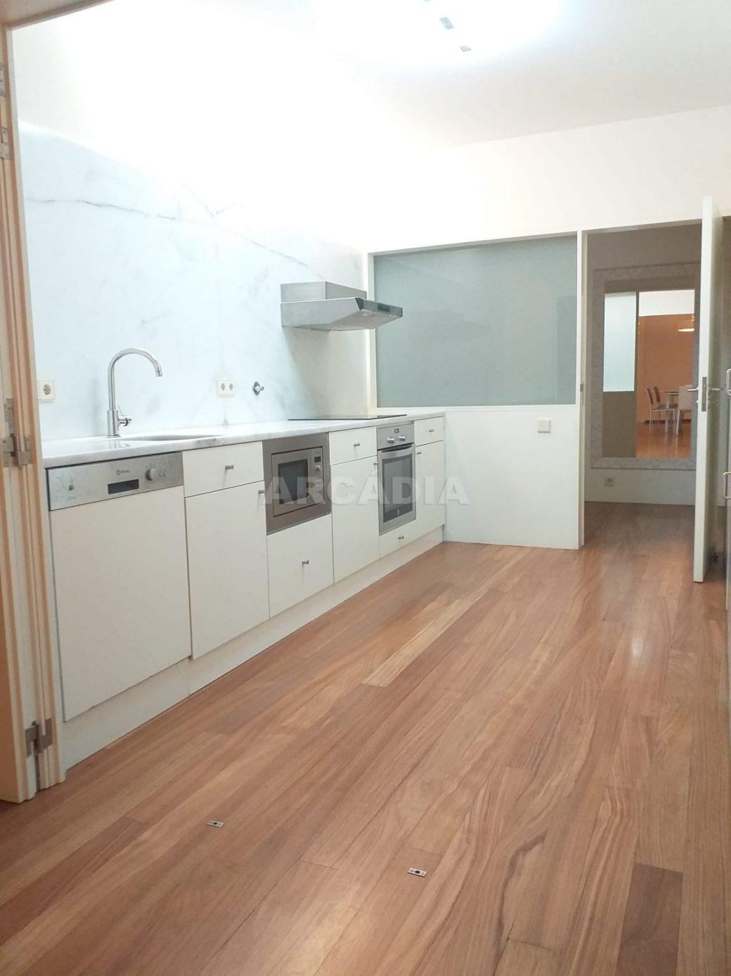 arcadia-imobiliaria-braga-apartamento-no-centro-historico-de-braga-tipo-2-para-compra-11